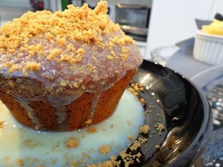 bolo de amendoim recheado com leite condensado