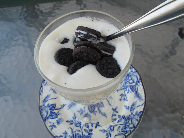 Oreos and lemon  mousse