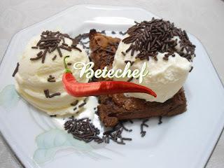 Suflê fácil de chocolate com sorvete co toque de Betechef