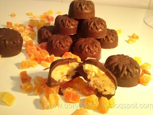 Bombones de chocolate rellenos caseros , receta casera.