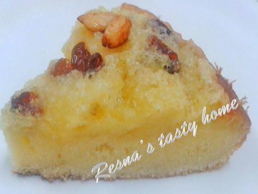 Thari pola (Semolina cake)