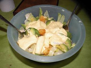Ensalada de pollo, naranja y palta