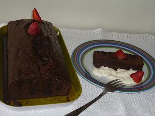 bolo de chocolate feito com nescau facil