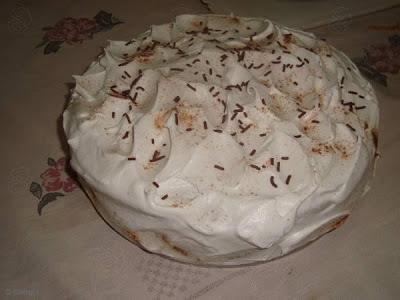 bolo de chocolate com chantilly com que molhar o bolo