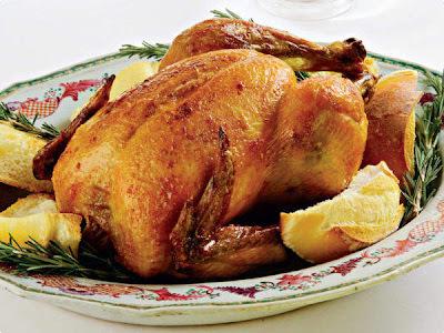 peito frango assado com batatas e creme cebola