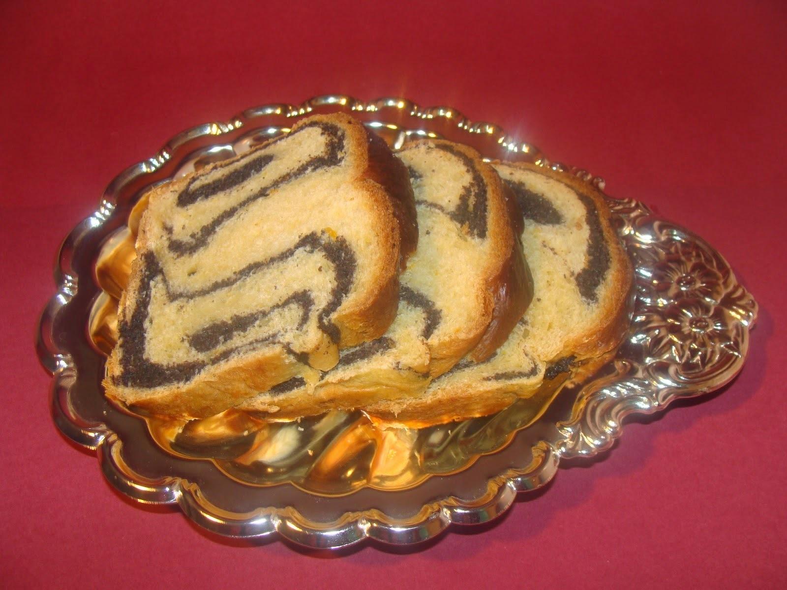 Pan dulce marmoleado con canela