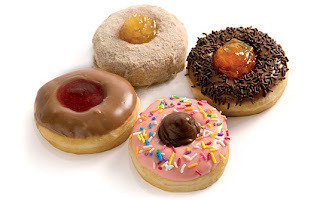 Donuts fritos e assados.