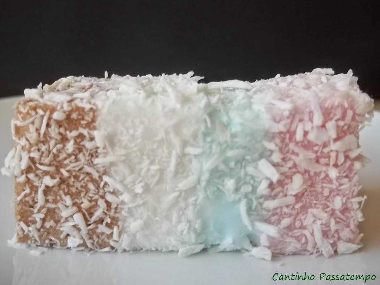 gelatina colorida com maria mole em camadas