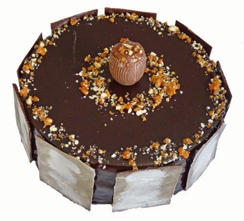Entremets mousse ganache montée chocolat blanc/vanille et crémeux praliné pour les fêtes de pâques