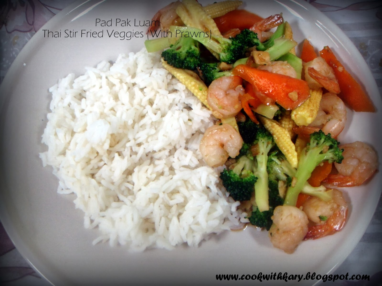 Thai Cooking Series#1-Pad Pak Luam-Stir Fried Vegetables (but with prawns!)