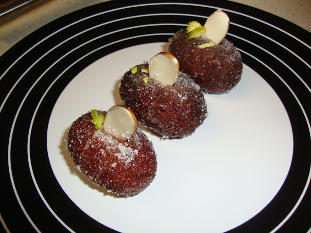 Suke Gulab Jamun / Dry Gulab Jamun