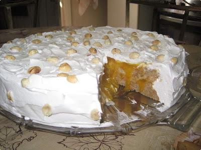Torta Suspiro de Amendoim
