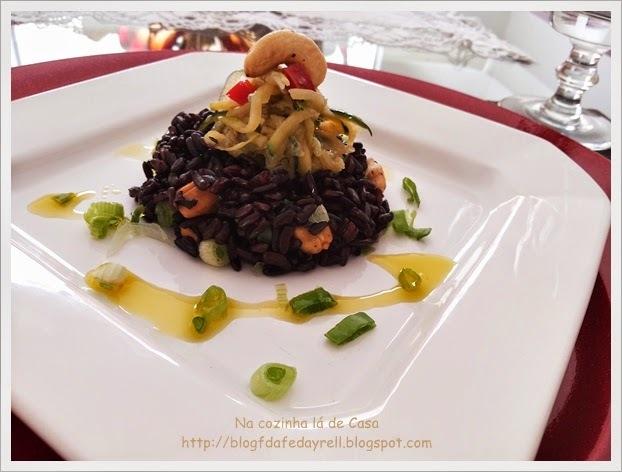 Salada de Arroz Negro em Caponata de Abobrinha