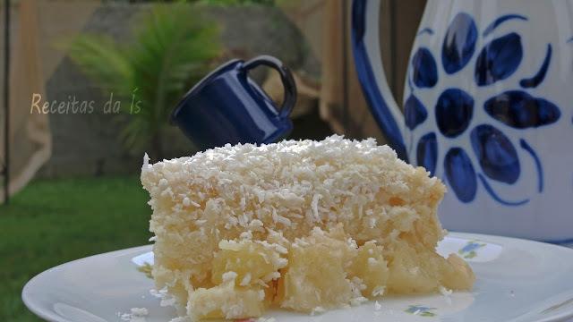 BOLO  GELADO  NA FORMA ( De abacaxi, creme e coco)