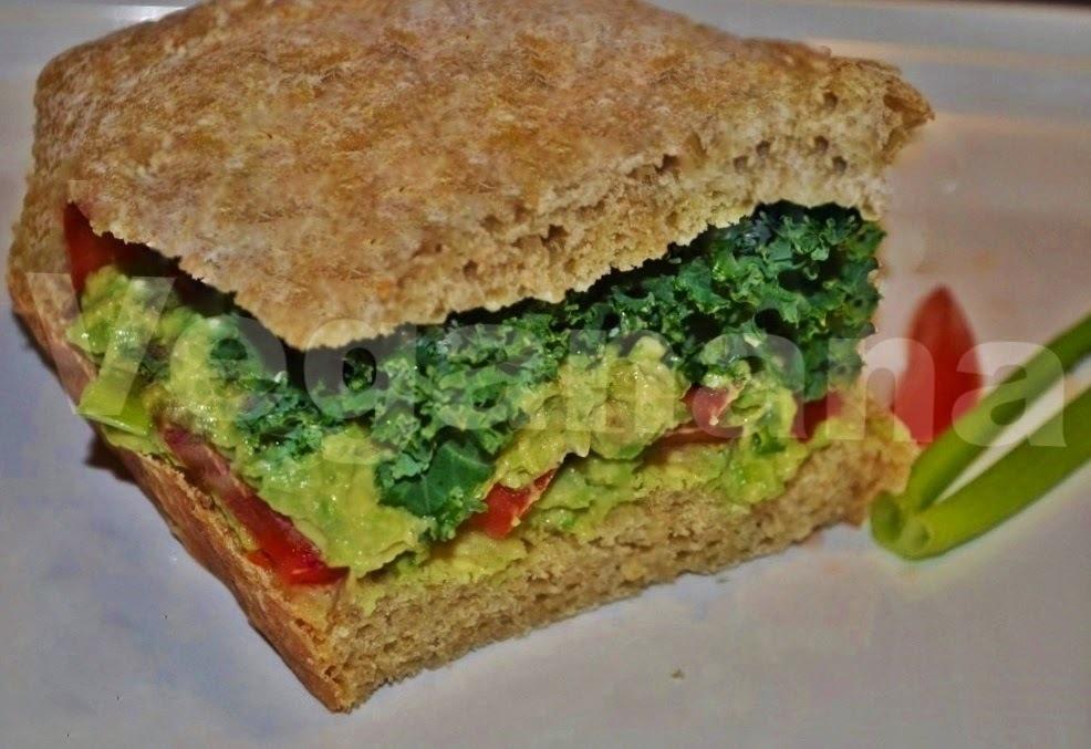 Sanduiche de Pao Caseiro com Guacamole