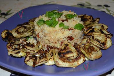 Alcachofas a la plancha con cuscús de tomates secos