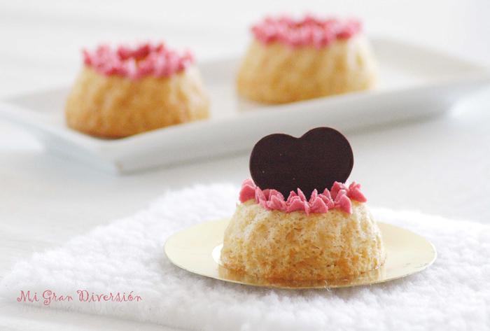 Coronas de ángel con crema de frambuesa (Idea San Valentín y Aprovechamiento claras).