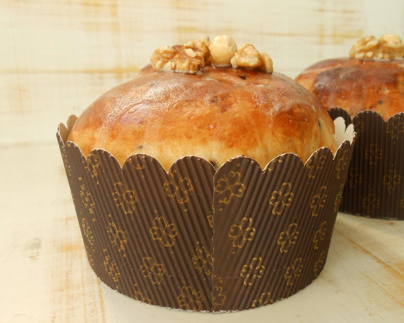 Pan dulce con frutos secos (Panettone)