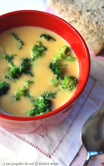 sopa de cheddar y brócoli