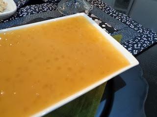 de sagu com suco de laranja