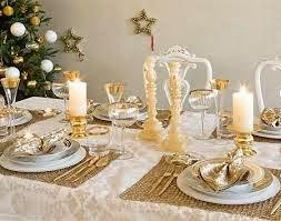 Querendo idéias de como decorar sua mesa pro natal? Aí vai algumas fotos!!!