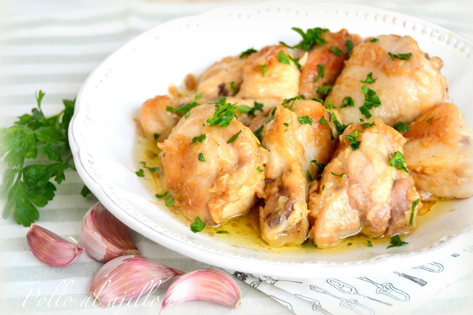 Pollo al ajillo. Receta tradicional.