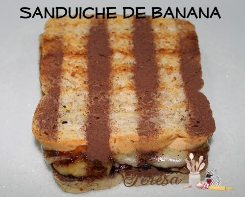 Sanduíche quente de Banana com queijo