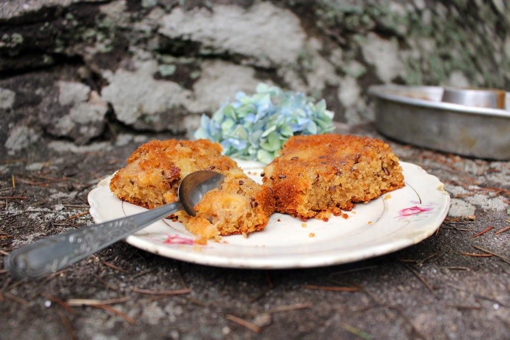 Torta de duraznos blancos con pimienta de Jamaica