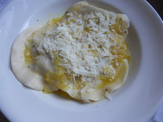 ravioli queijo brie com damasco