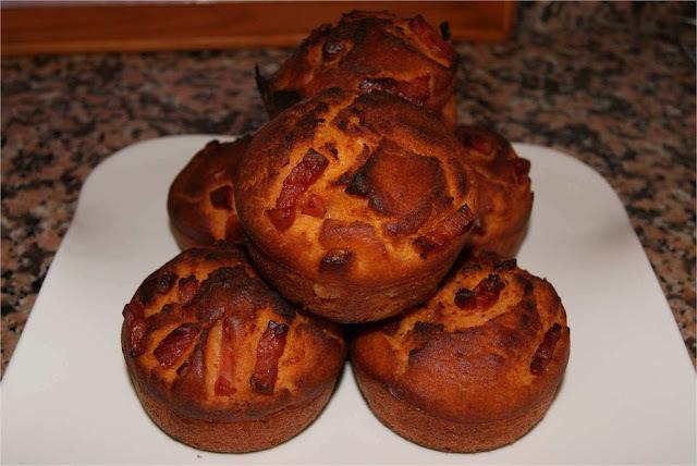 Recetas para niños: Muffins salados de bacon y kétchup