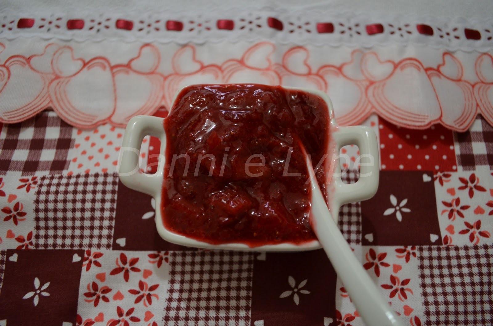 Geleia de Morango e Ruibarbo (versão diet e normal)