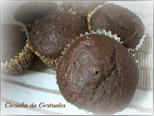 Muffins de chocolate e banana