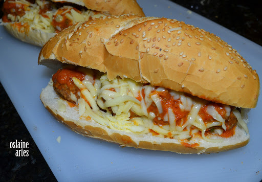 Sanduíche de Almondegas