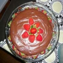 Torta Trufada de Chocolate com Morango