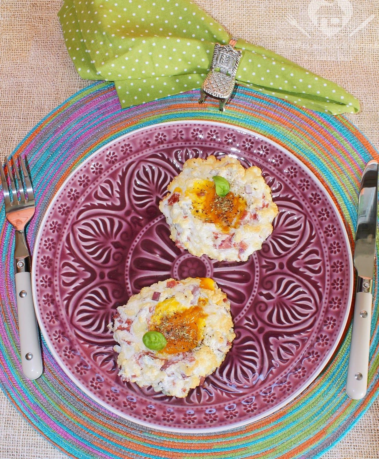 Ovos em nuvens com queijo e salame