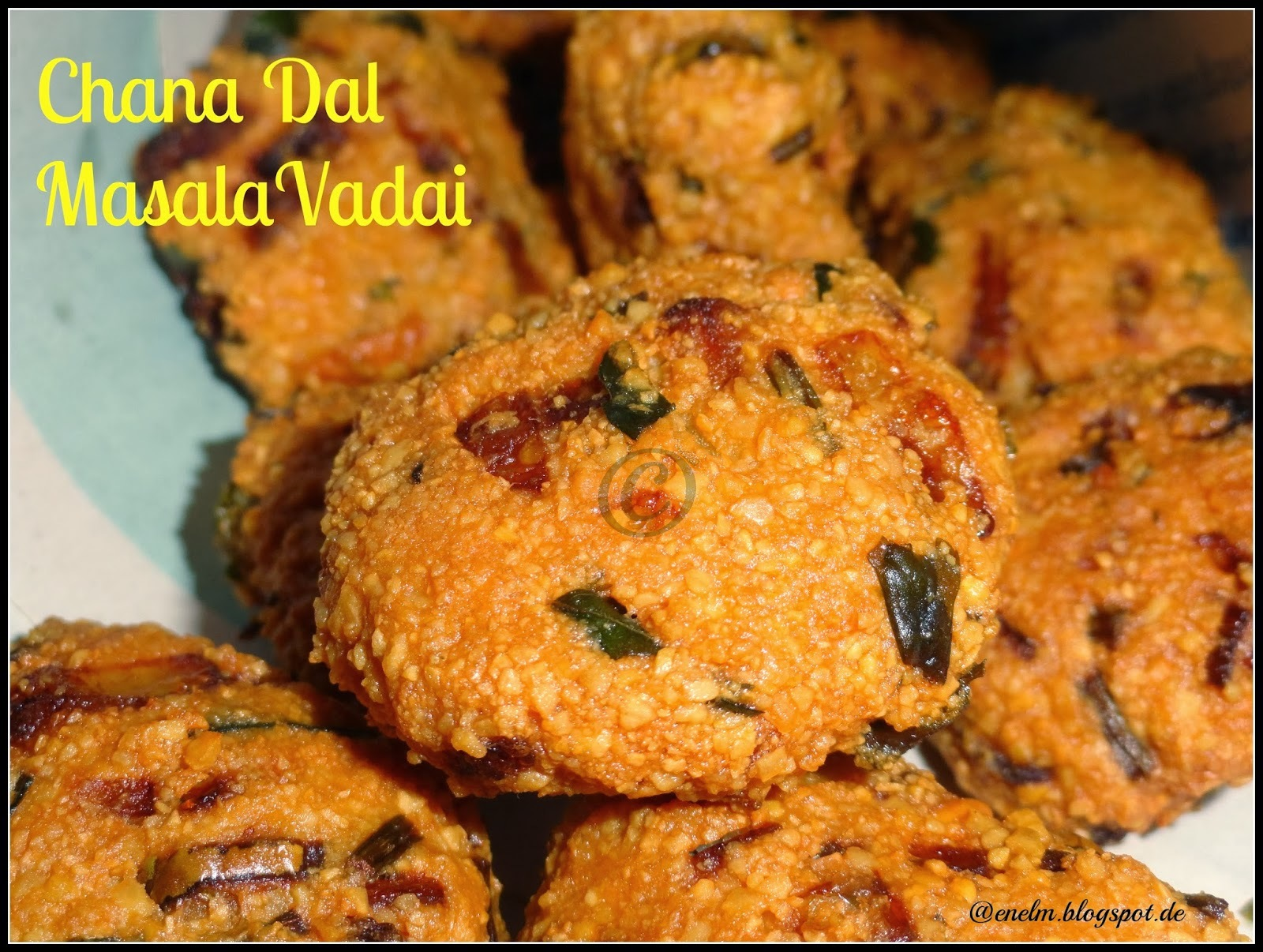 Chanadal Masala Vadai / Kadalebele Masala Vade/  Easy version of Chattambade/ Parippu vada