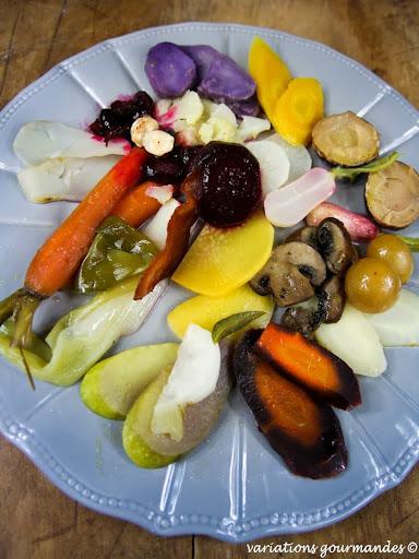Composition de légumes d'automne glacés, verveine et thym
