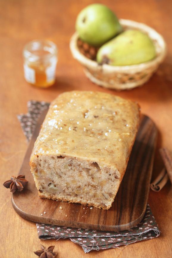 Постный кекс на яблочном соке с грушей и грецкими орехами / Bolo com suco de maçã, pêra e nozes (sem leite e ovos)