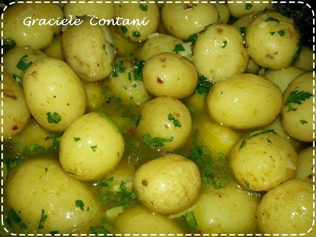 Batatinhas bolinhas em conserva (batatinha calabresa), de Graciele Contani