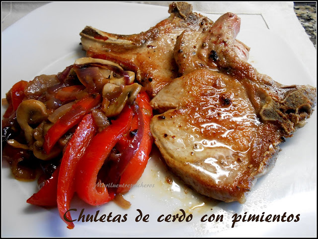 CHULETAS DE CERDO CON PIMENTOS