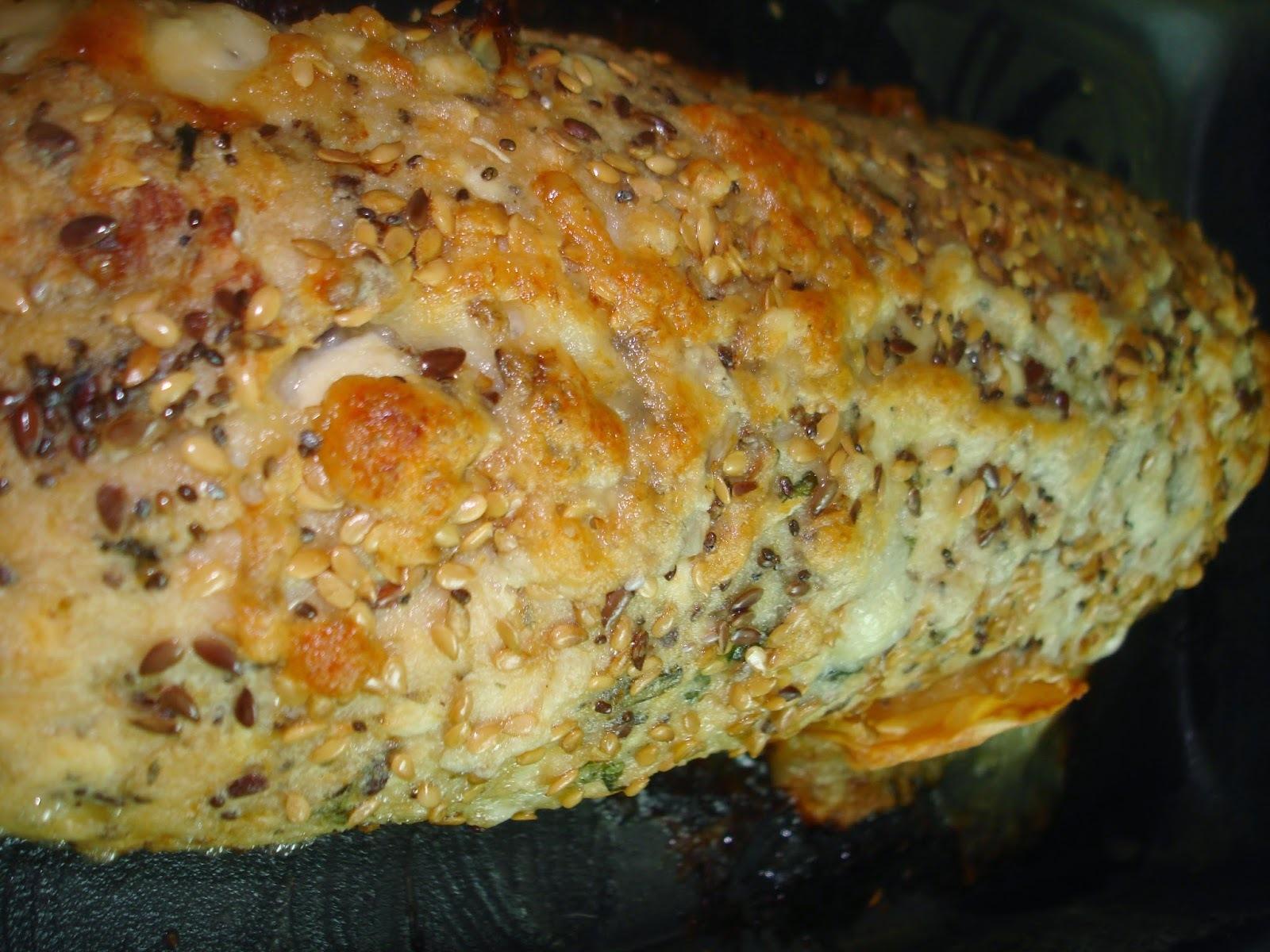 de rocambole de frango com presunto e queijo