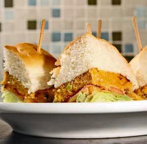 Hambúrguer de Bacalhau com Purê de Grão-de-Bico