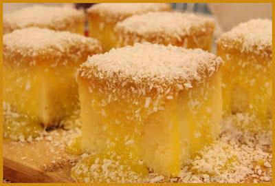 bolo de mandioca/aipim com muito coco