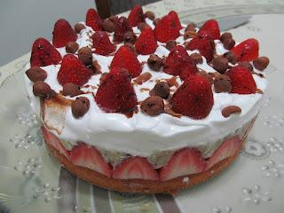 Torta de Morangos e Avelãs