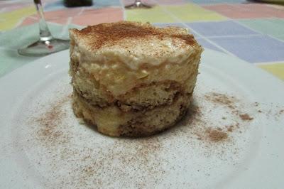 PAVÊ DE BISCOITO CHAMPANHE