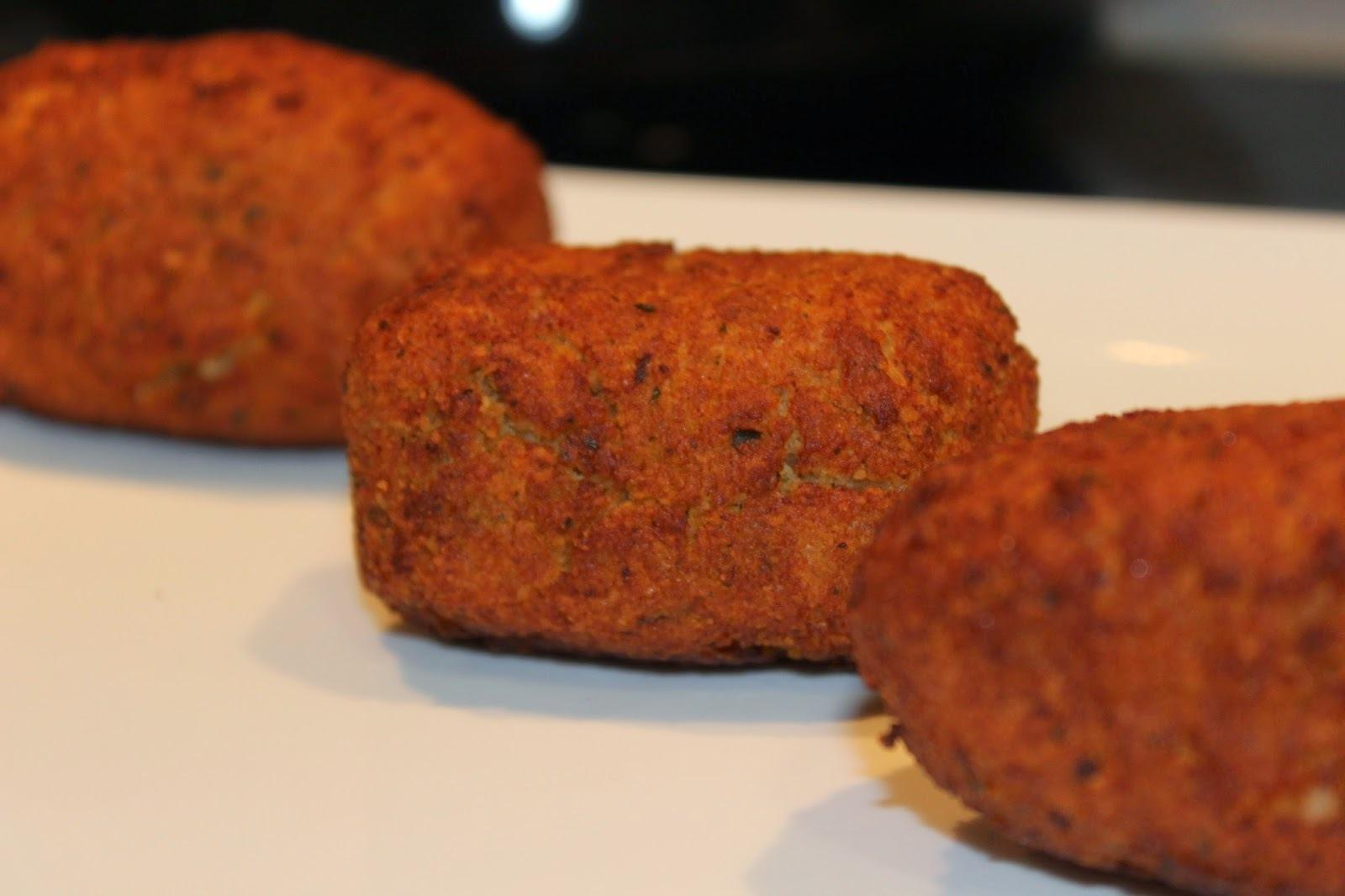 Croquetas de jamon, queso provolone y queso gorgonzola