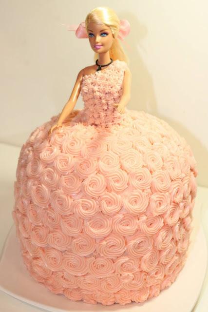 Como montar um bolo da Barbie passo à passo - Rússia