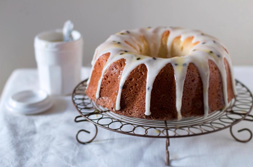 Granadilla yoghurt cake