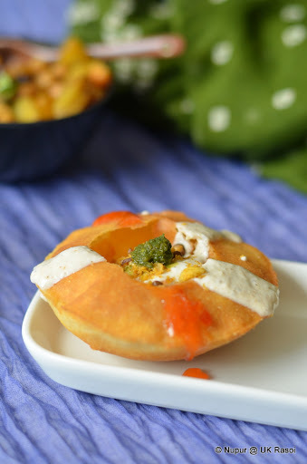 Raj Kachori - Stuffed fried bread