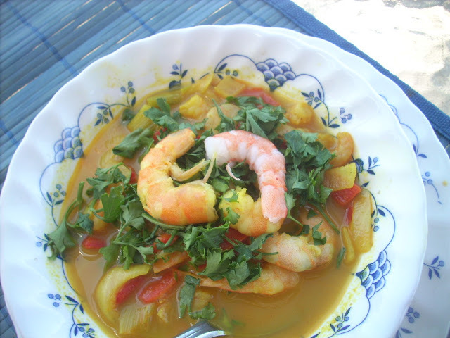 Curry shrimp with ginger and cilantro (curry de camarones con jengibre y cilantro)